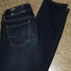 American eagle  skinny jeans Nwt dark wash